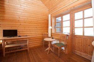 Ho Three-Bedroom Apartment 05, Dovolenkové parky  Blåvand - big - 7