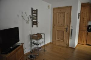 Chesa Viletta, Apartments  La Punt-Chamues-ch - big - 23