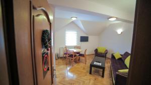 Villa Romantika, Apartmány  Zlatibor - big - 70