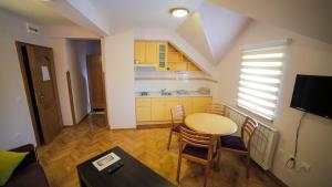 Villa Romantika, Apartmány  Zlatibor - big - 68