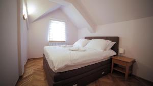 Villa Romantika, Apartmány  Zlatibor - big - 67