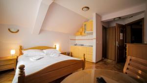 Villa Romantika, Apartmány  Zlatibor - big - 2