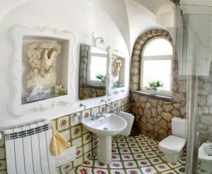 Villa Silia, Apartmanok  Capri - big - 29