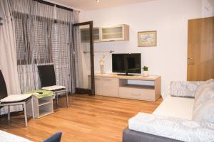 Apartments Visković 762, Apartmány  Tučepi - big - 27
