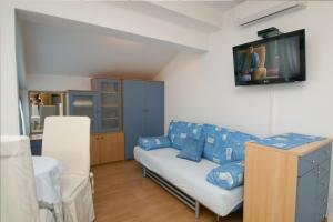 Apartments Visković 762, Apartmány  Tučepi - big - 48