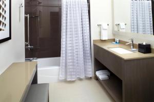 One-Bedroom Two Queen Suite