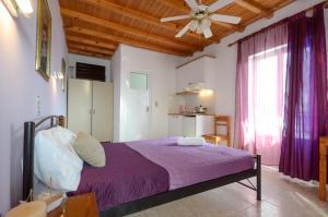 Panormos Hotel and Studios, Hotely  Naxos Chora - big - 38