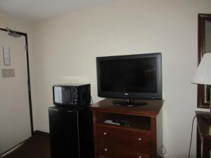 Quality Inn Fort Jackson, Hotels  Columbia - big - 2