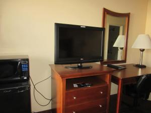 Quality Inn Fort Jackson, Hotels  Columbia - big - 12