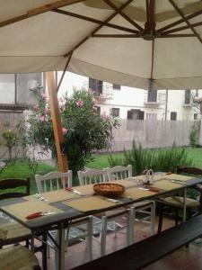 Dragonfly B&B, Bed and Breakfasts  Certosa di Pavia - big - 22