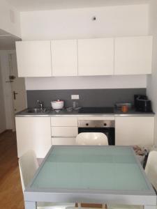 Apartment Marly, Apartments  Menton - big - 3