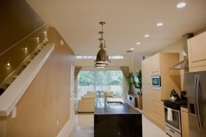 Three-Bedroom Villa with BBQ - Resort View