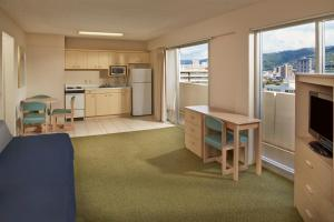 One Bedroom City View Kitchen - Diamond Head Tower