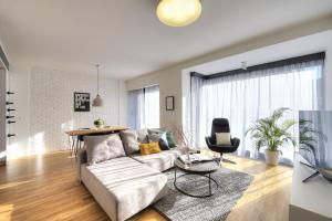 Quadrio Apartment
