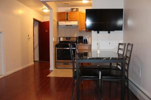 Prospect-Lefferts Garden Brooklyn Apartments, Апартаменты  Бруклин - big - 10