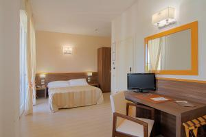 Hotel Michelangelo, Отели  Морской Милан - big - 5