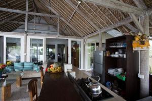Villa Waru, Holiday parks  Lembongan - big - 68