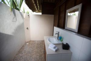 Villa Waru, Holiday parks  Lembongan - big - 62