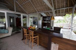 Villa Waru, Holiday parks  Lembongan - big - 8