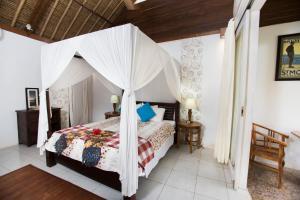 Villa Waru, Holiday parks  Lembongan - big - 23