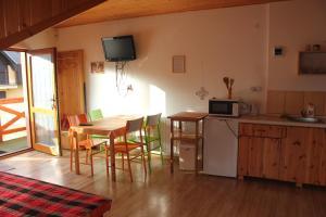 Apartmany u Janka Vinné Jazero, Penziony  Vinné - big - 9