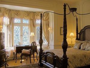 Superior Queen Suite