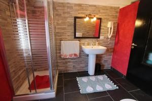 Ai 3 Cantici, Bed and Breakfasts  Triora - big - 4