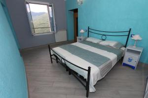 Ai 3 Cantici, Bed and Breakfasts  Triora - big - 2