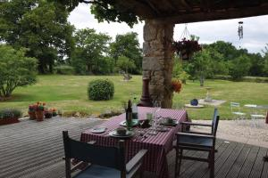 Chez Jasmin, Bed & Breakfasts  La Chapelle-Saint-Laurent - big - 18