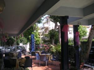Hotel Canasta, Szállodák  Riccione - big - 35