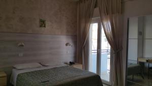 Hotel Canasta, Szállodák  Riccione - big - 3
