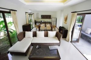 Villa Suksan Rawai, Villen  Rawai Beach - big - 63