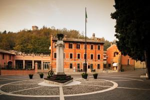 Hotel Ristorante Alla Vittoria, Szállodák  Solferino - big - 45