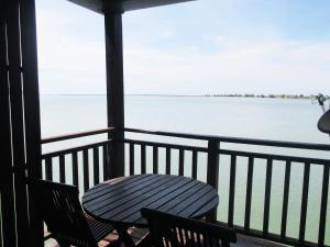 Sea Village Private Unit @ Langkawi Lagoon Resort, Üdülőtelepek  Kampung Padang Masirat - big - 30