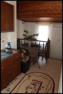 Guesthouse Xenioti, Гостевые дома  Цагарада - big - 19