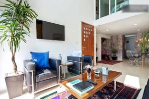 Duplex Penthouse Zona Rosa, Apartments  Mexico City - big - 12