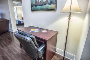 Republic on Roehampton Avenue - Furnished Apartments, Apartments  Toronto - big - 14