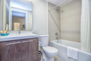 Republic on Roehampton Avenue - Furnished Apartments, Apartments  Toronto - big - 13