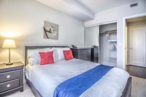 Republic on Roehampton Avenue - Furnished Apartments, Apartments  Toronto - big - 11