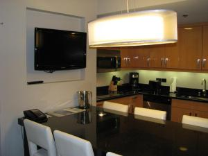 One-Bedroom Grand Suite with Full Kitchen