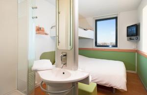 ibis budget Istres Trigance, Hotely  Istres - big - 12