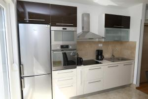 Apartment Parlov 2, Апартаменты  Подстрана - big - 28