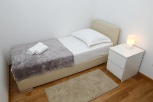 Apartment Parlov 2, Апартаменты  Подстрана - big - 2