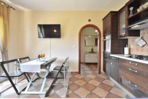 Dream Vacation, Apartments  Podstrana - big - 18