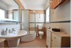 Dream Vacation, Apartments  Podstrana - big - 16