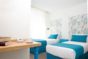 2 Adjacent Superior Rooms