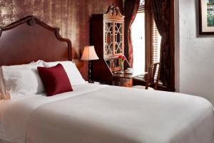 Queen Room 202