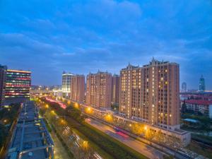 Green Court Place Jingqiao Middle Ring Shanghai, Apartmány  Šanghaj - big - 1