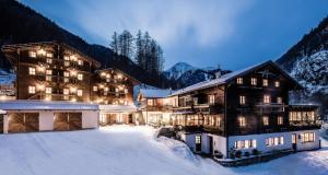 Hotel Oberraindlhof, Hotely  Senales - big - 38