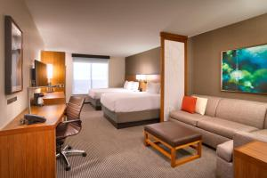Deluxe Queen Room with Two Queen Beds - Upper Floor